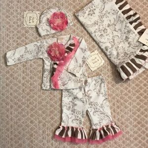 NWT Haute Baby Dream Puff Set 3-6 Months